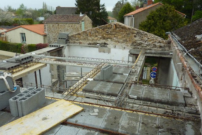 21 surelevation maison bourg le cellier